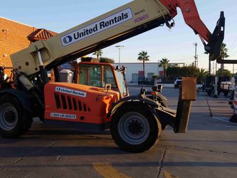 JLG 12K REACH FORKLIFT for Sale in Burbank,  CA