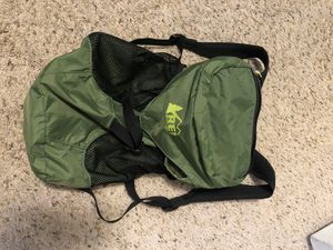 Rei hiking backpack- green for Sale in Denver, CO