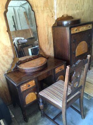 Grandma's Antique Dresser and Vanity with beveled mirror for Sale in Tujunga, CA