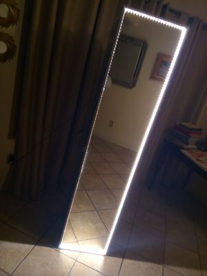 Shelf Case w/ LED Lighted Mirror for Sale in Garden Grove, CA