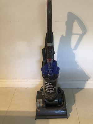 Dyson vacuum for Sale in Pembroke Pines, FL