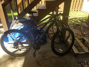 Bike,Hybrid Bicycle with 21 Speed and Suspension/Dual Disc Brake in for Sale in Manassas, VA