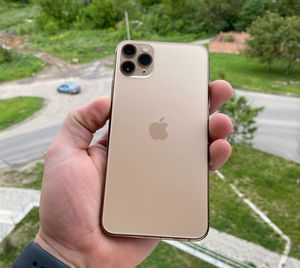 Unlocked iPhone 11 pro max for Sale in Hayward, CA