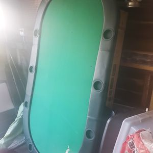 Poker Table. Great Condition. Stands On Its Own for Sale in Altadena, CA