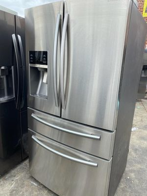 SAMSUNG STAINLESS STEEL FOUR DOORS for Sale in Oceanside, CA