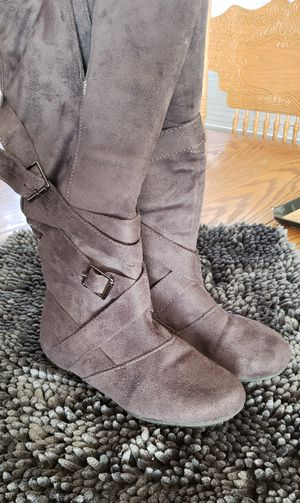 Gray suede boots for Sale in San Jose, CA