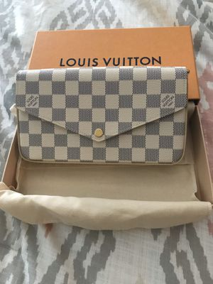 Brand new authentic Louis Vuitton felicie bag for Sale in Irvine, CA