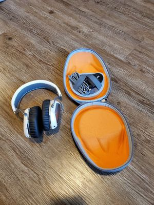 Vmoda Crossfade Wireless bluetooth headphones for Sale in Sacramento, CA