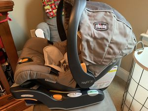 Chicco KeyFit Car seat and Base for Sale in Rock Spring, GA
