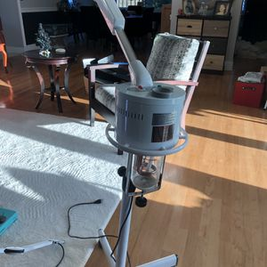Buy-Rite Facial Steamer & Mag Lamp for Sale in Fort Lauderdale, FL