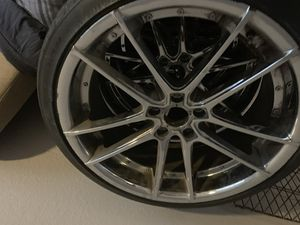 20 inch chrome rims and tires for Sale in Killeen, TX