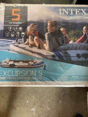 Intex excursion 5 inflatable 5 person boat for Sale in Los Angeles, CA