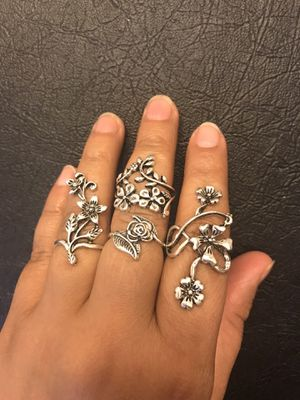 Ring set random size to wear accordingly for Sale in Taylors, SC