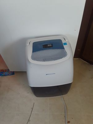 20 pint dehumidifier first come first serve for Sale in Camp Hill, PA