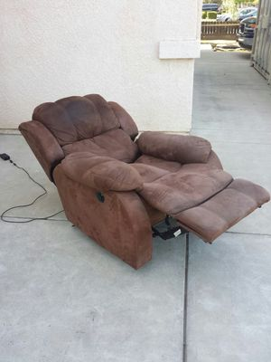 Electric Power Brown Recliner Chair for Sale in Clovis, CA