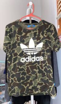 Adidas camo shirt for Sale in Chicago, IL