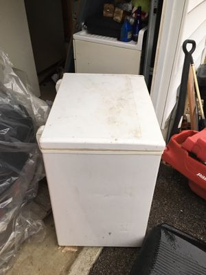 Nice freezer for Sale in Ferguson, MO