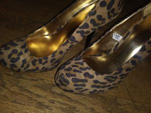 animal print heels never wore for Sale in St. Peters, MO