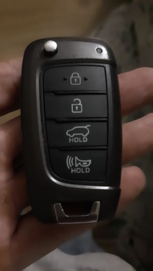 Late model (2015+I think) Hyundai transponder key/remote for Sale in Los Angeles, CA