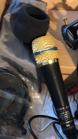 New Micrófono Con Filtro y Stand for Sale in Brooklyn,  NY