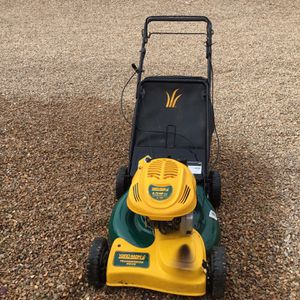Yard-Man Self Propelled Mower With Bag for Sale in Henderson, NV