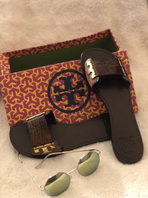 Tory Burch Gail Lizard Embossed Flat Sandals for Sale in Chicago, IL
