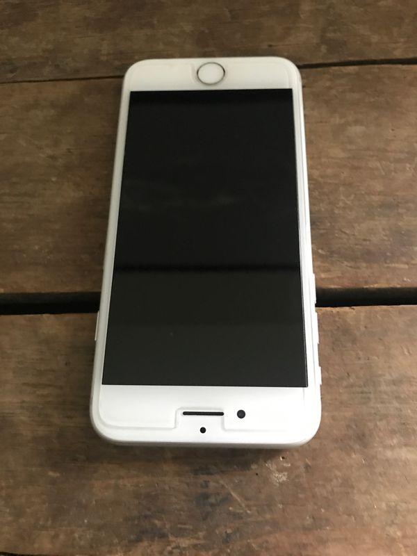 I phone 7 -32GB Perfect condition it was my backup it was an att phone my contact expired 3-2019 so I believe it is unlocked