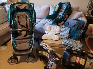 Chicco Trio System Car Seat, Stroller, Baby Bag and 2 Car Seat Bases for Sale in Westminster, CO