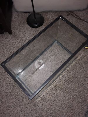 FISH/REPTILE TANK BUNDLE for Sale in Houston, TX