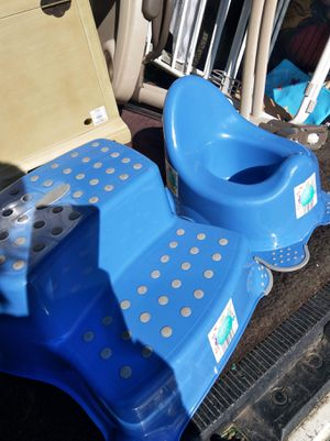Step Stool and poty for Sale in Hyattsville, MD