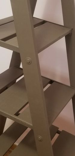 Ladder Shelf for Sale in Bellwood,  IL