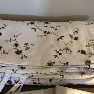 Beautiful like new full/ queen province style duvet cover, brand new crate and barrel quilt coverlet for Sale in Bothell, WA