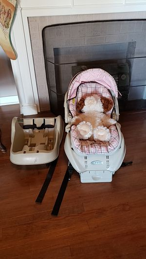 Graco infant car seat with two bases. for Sale in Shreveport, LA