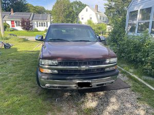 2000 Chevy Silverado 1500 4doors 2wd only 87k miles for Sale in Buzzards Bay, MA