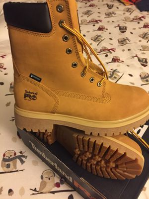 New timberland waterproof size 9 for Sale in Rockville, MD
