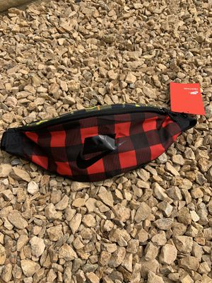 Nike waist bag plaid print for Sale in Ontario, CA