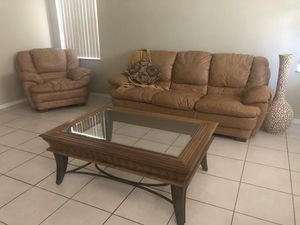 Leather living room set for Sale in Miramar, FL
