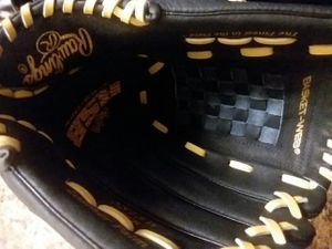 RAWLING SOFTBALL 13IN LEATHER PALM for Sale in Avondale, AZ
