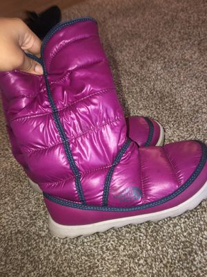 The North Face Winter Boots (bubble) for Sale in Nashville, TN
