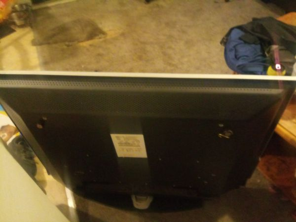 42in tv. Magnavox . works great hdmi connections
