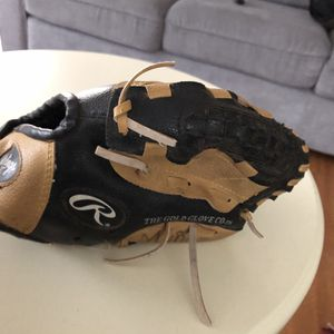 """Baseball Glove 10"""" for Sale in Los Angeles, CA"""