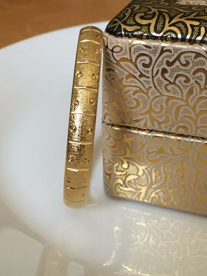 """18k gold filled bangle bracelet jewelry accessory 8"""" openable for Sale in Colesville, MD"""