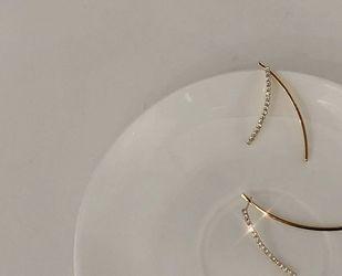 Simple Diamond Gold Stud Earrings for Sale in Anaheim,  CA