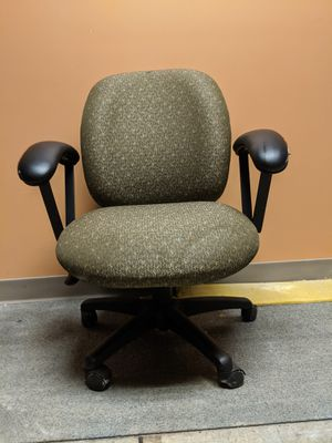 Comfy office chair for Sale in Westerville, OH