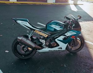 600$ URGENT!For sale2006 GSX-R ,Very clean.Clean tittle Runs and drives great.,no issues!Clean title for Sale in Chicago, IL