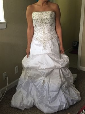 Wedding attire for Sale in Parkville, MO