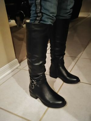 Apt 9 boots size 6 for Sale in Riverview, FL