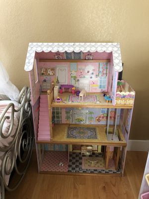Kids doll house for Sale in Redwood City, CA