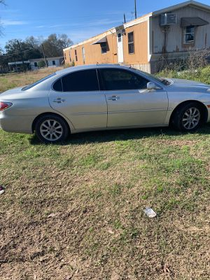 Lexus 2003 needs work Read for Sale in Humble, TX