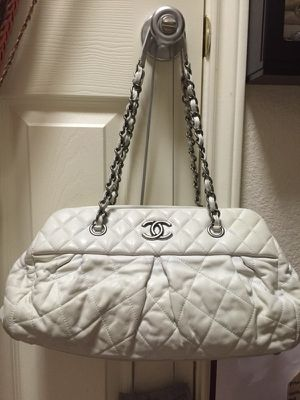Authentic Chanel Bowling Tote Bag Iridescent Leather Excellent Condition for Sale in Austin, TX